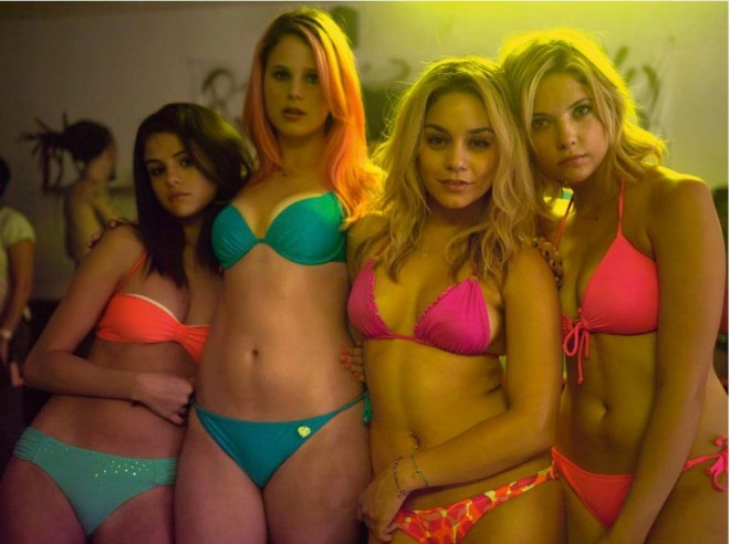 spring breakers making of ahoodie featured 660x492 Watch the making of Spring Breakers