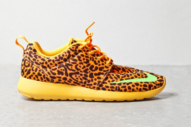 nike roshe run fb orange leopard ahoodie 1 660x440 Nike Roshe Run FB Orange Leopard PREVIEW